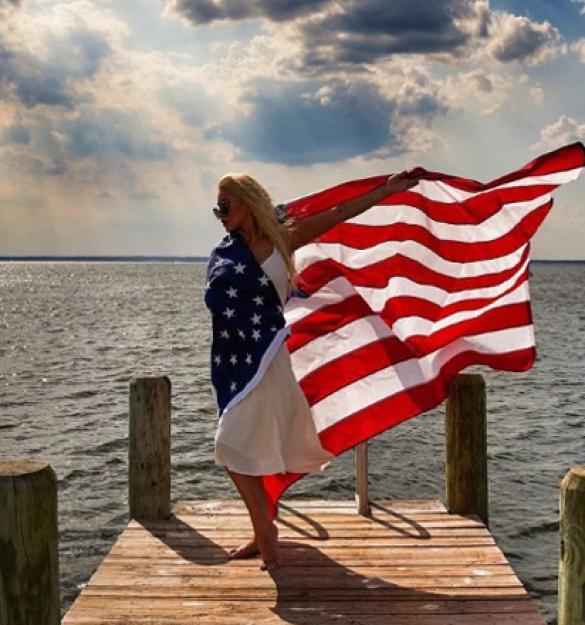 Звезды отпраздновали День независимости США_4