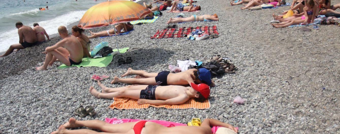 Туристичні санкції у Криму: як відомі сервіси бронювання безперешкодно працюють на півострові
