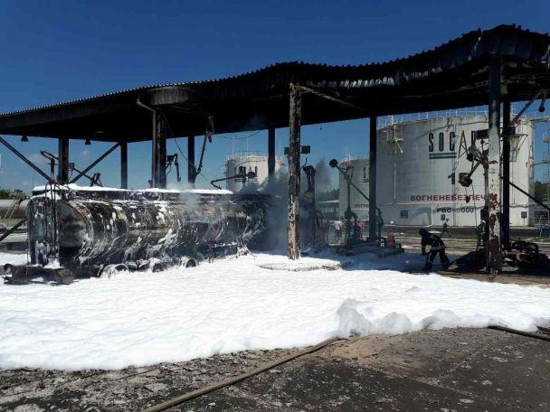 В ГСЧС рассказали подробности пожара на нефтебазе под Одессой