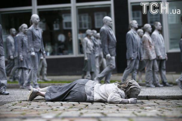 """""""Ходячі мерці"""". Reuters опублікувало фото протестувальників проти саміту G20 у Гамбурзі"""