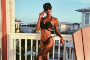 """Выглядит идеально: """"ангел"""" Victoria's Secret Жасмин Тукс опубликовала фото в бикини"""