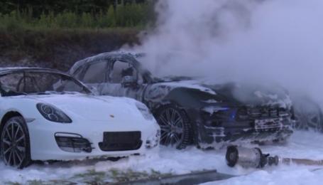 В Гамбурге сожгли автосалон Porsche