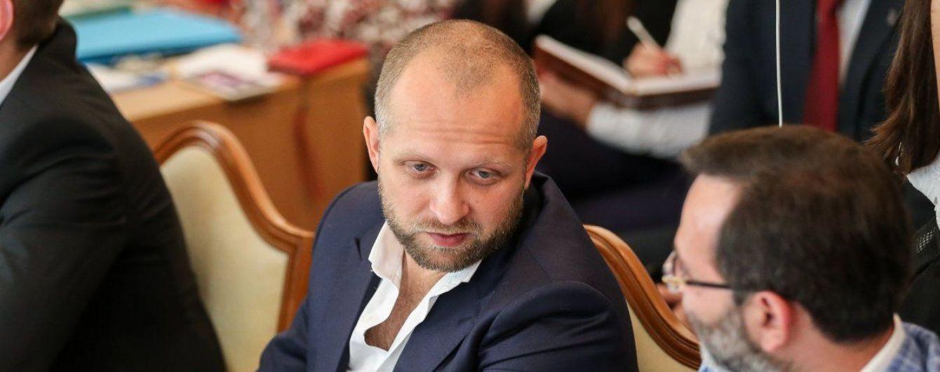 Поляков объяснил, почему не дает надеть на себя электронный браслет
