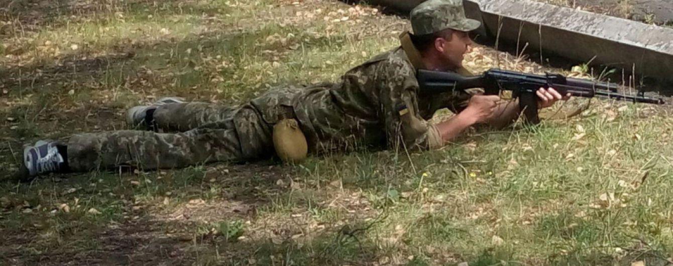 В Кривом Роге военные во время учений ранили оператора местных СМИ