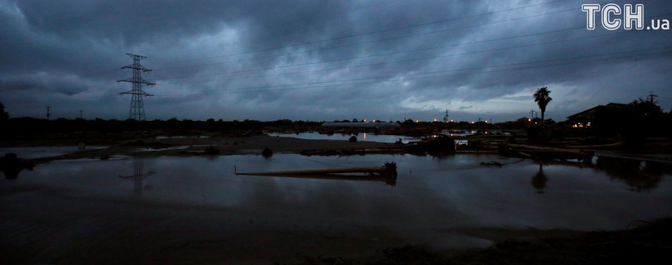 На воскресенье в Украине объявлено штормовое предупреждение