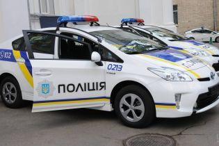 В Сумах уволили патрульных, которые издевались над выпившим человеком