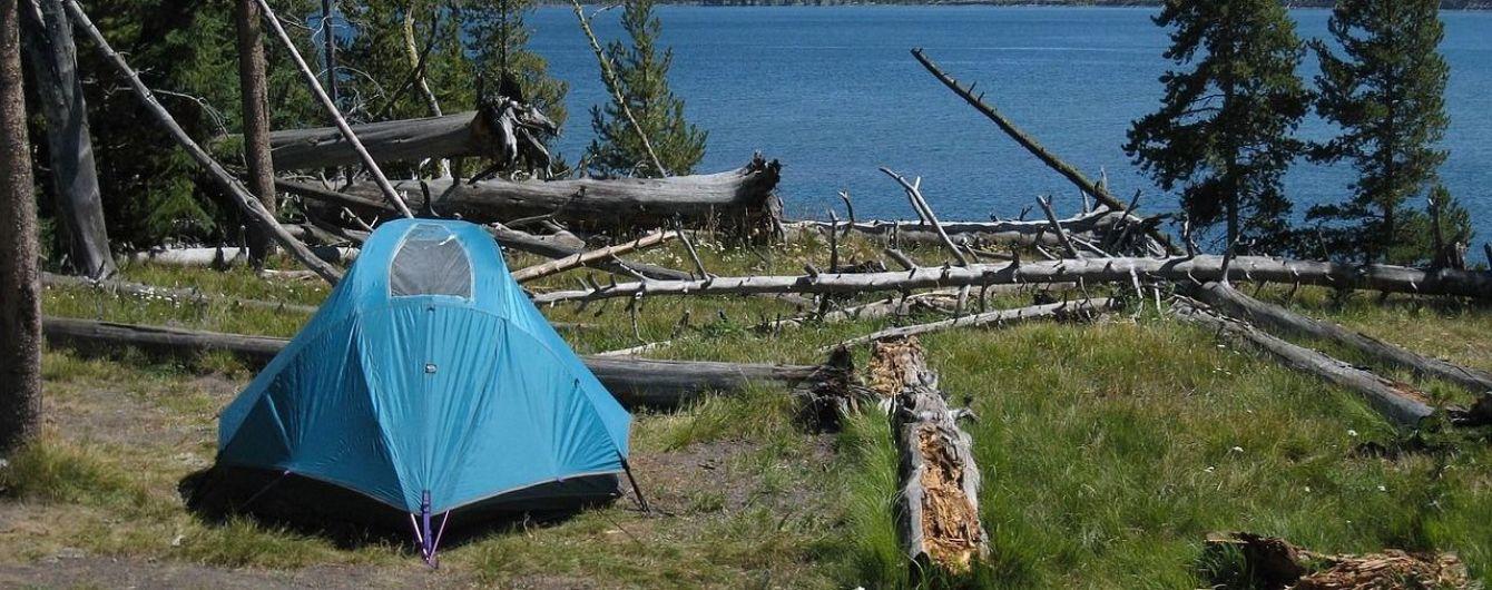 В курортном Геническе джип ночью раздавил палатку с отдыхающими
