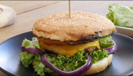 Бургер на грилі – рецепти Сенічкіна