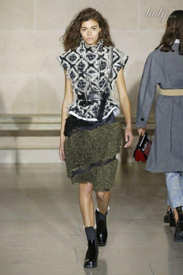 Коллекция Louis Vuitton прет-а-порте сезона осень-зима 2017-2018_33