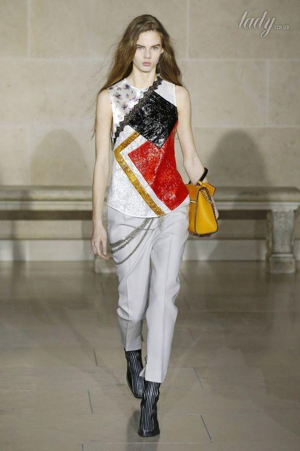 Коллекция Louis Vuitton прет-а-порте сезона осень-зима 2017-2018_35