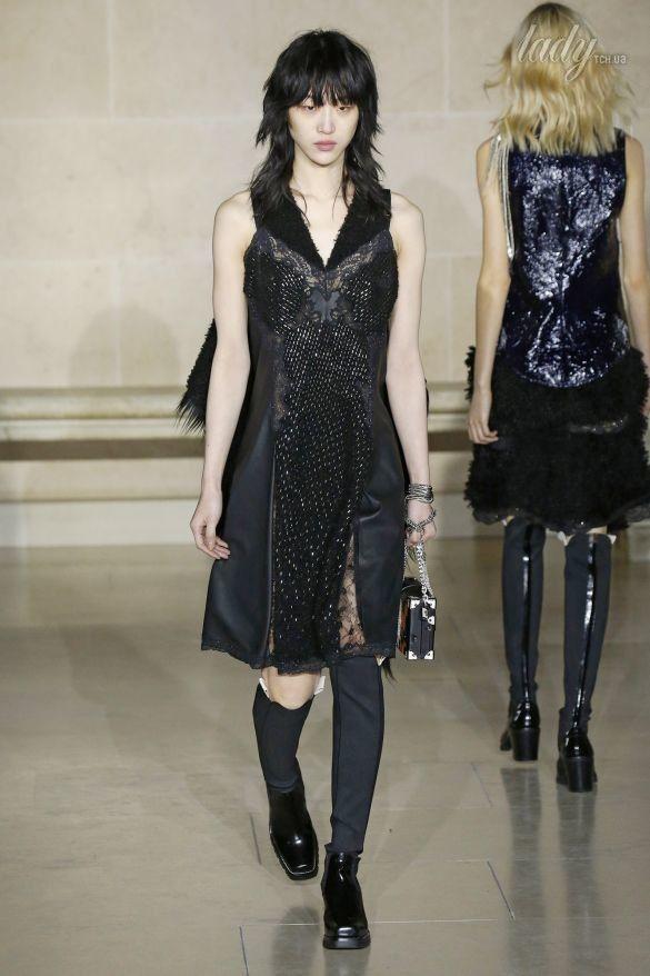 Коллекция Louis Vuitton прет-а-порте сезона осень-зима 2017-2018_45