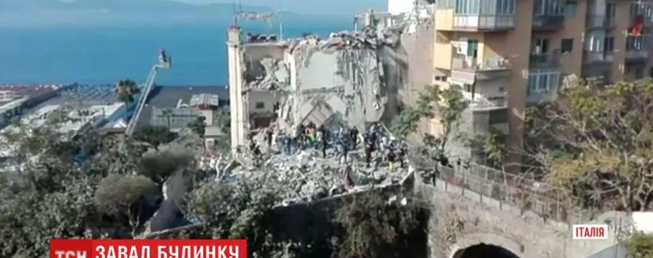 В Неаполе рухнул дом: под завалами оказались люди