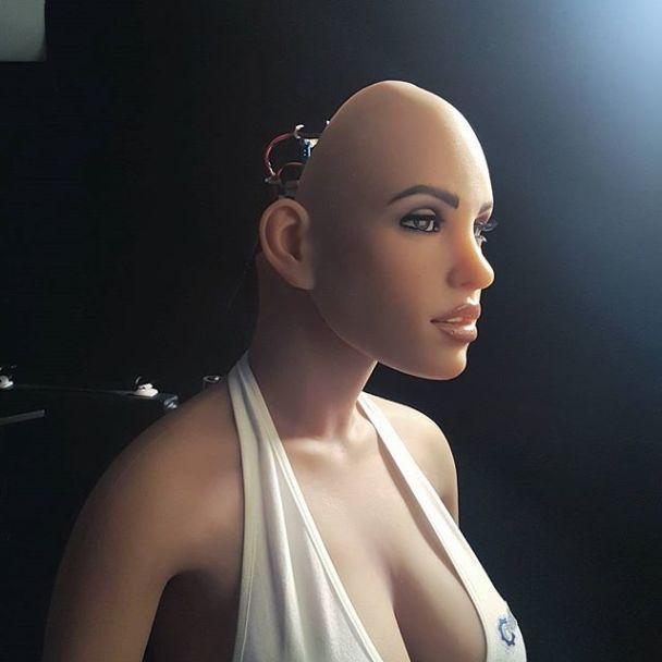 """""""Армія спасіння"""" застерігла, що секс-роботи загрожують людству сексуальним рабством"""