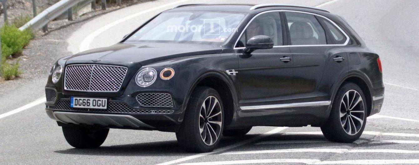 Гибридный Bentley Bentayga выехал на тесты