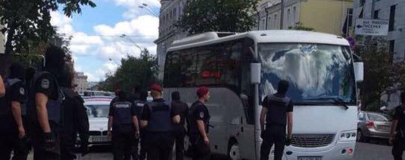 СБУ помешала провокации под польским консульством, которую заказала Россия