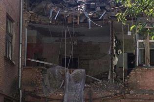 Біля будинку у Києві, де стався вибух, знайшли пістолет – ЗМІ