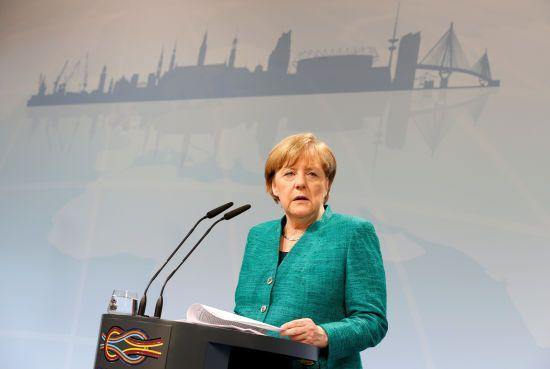 Меркель поддержала ультиматум Великобритании к России из-за отравления Скрипаля