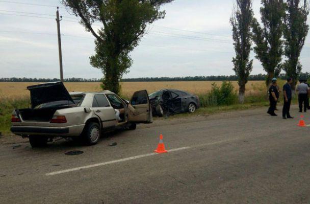 На Донеччині зіштовхнулися дві автівки в смертельній ДТП