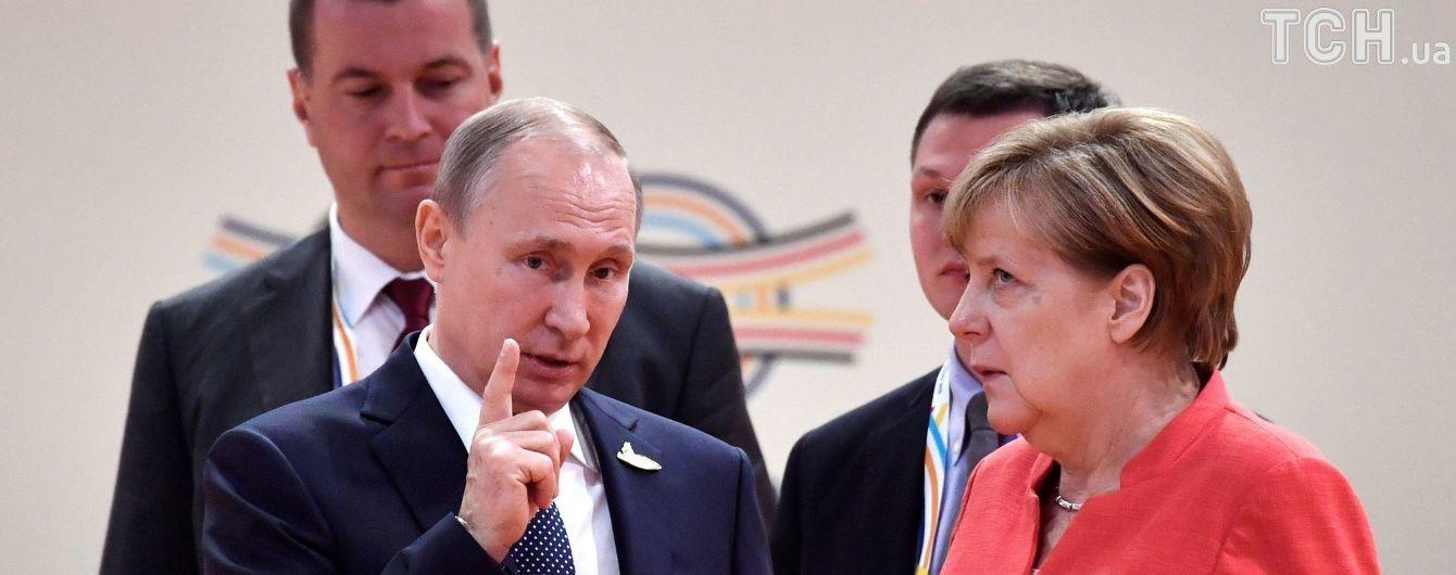 Меркель, Макрон и Путин начали переговоры по Украине