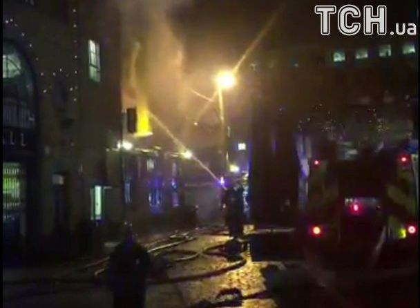 а крупнейшем рынке в Лондоне вспыхнул сильный пожар