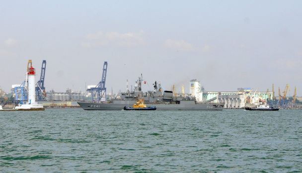 В Одессу военные НАТО прибыли на кораблях и боевой авиации