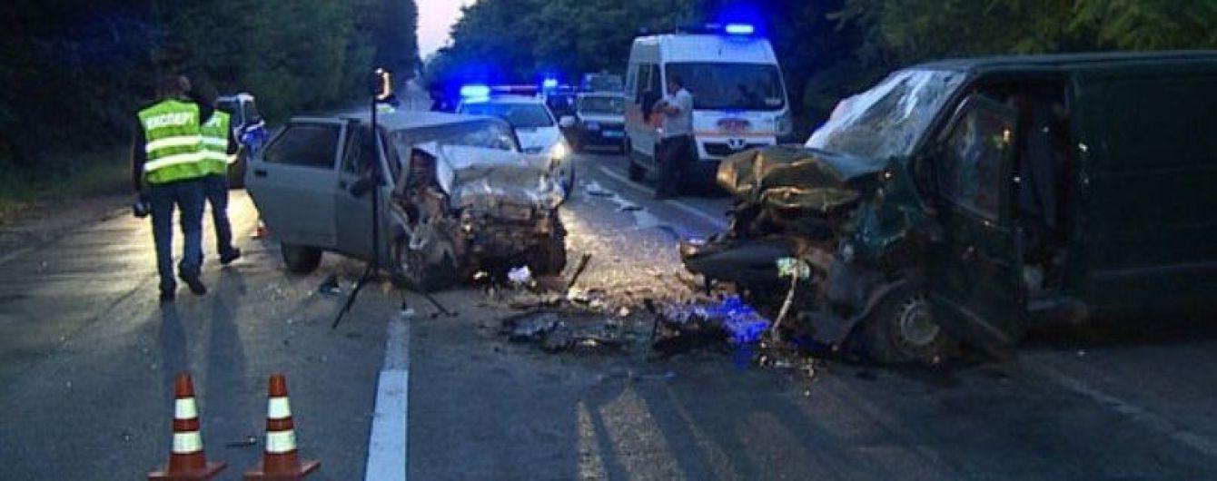На Винничине в лобовом ДТП погибли 4 человека