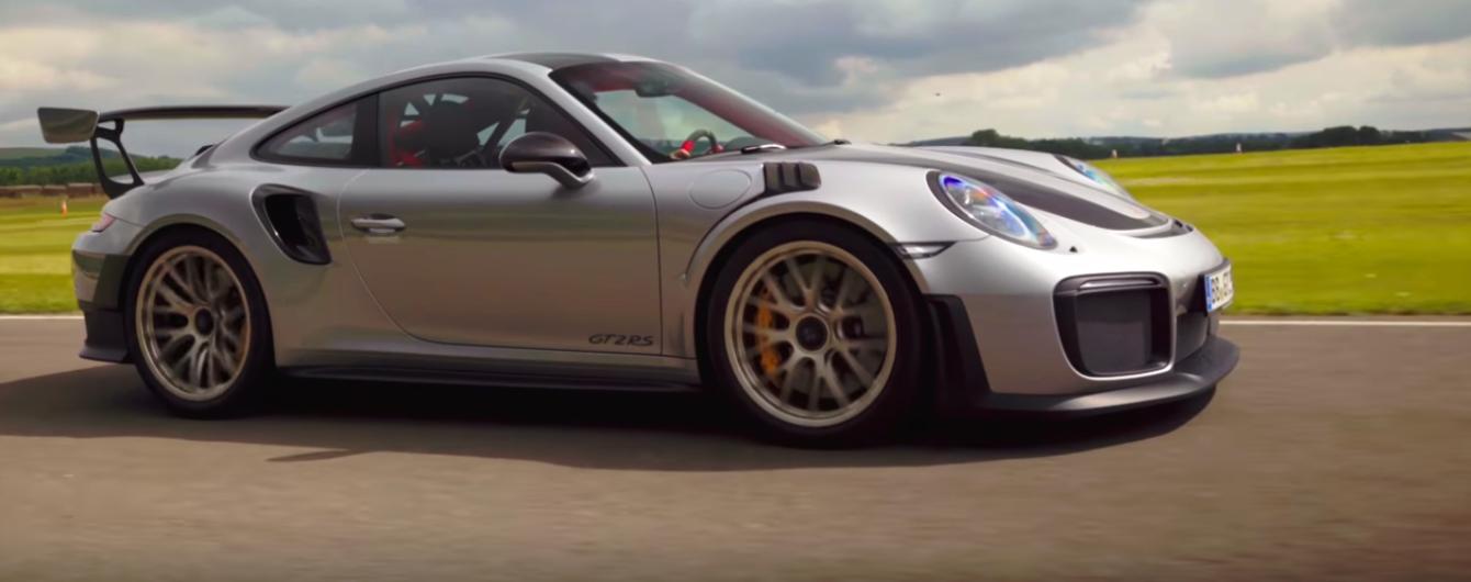 Porsche 911 GT2 RS разогнался на гоночной трассе до 336 км/ч
