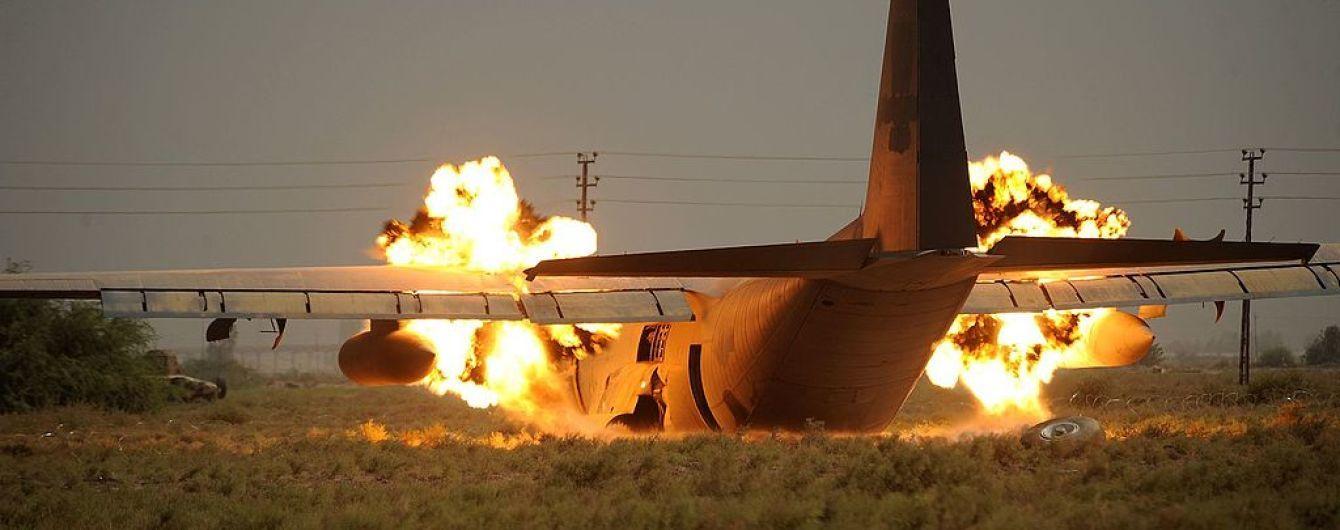 У США розбився військовий літак, є жертви