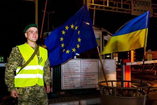 Прикордонники пояснили, чому деяким українцям відмовили у перетині кордону з ЄС без віз
