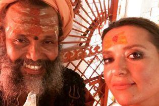 Індійський вікенд: Могилевська у сарі показала свого вчителя