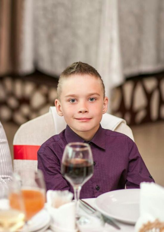 9-летний Олег нуждается в операции на головном мозге