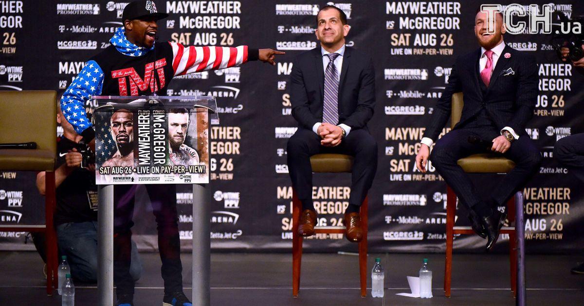 Пресс-конференция Флойда Мейвезера и Конора Макгрегора. @ Getty Images