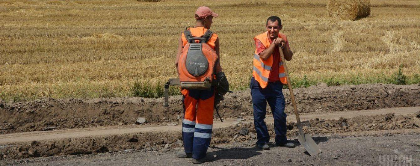 На будівництво доріг в Україні виділять 16 млрд гривень – Порошенко