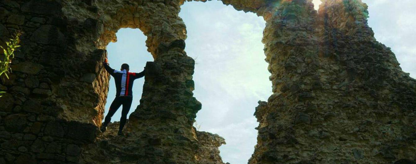 Тайны поселка Среднее: грандиозные пещеры с запасами вина и руины замка Тамплиеров