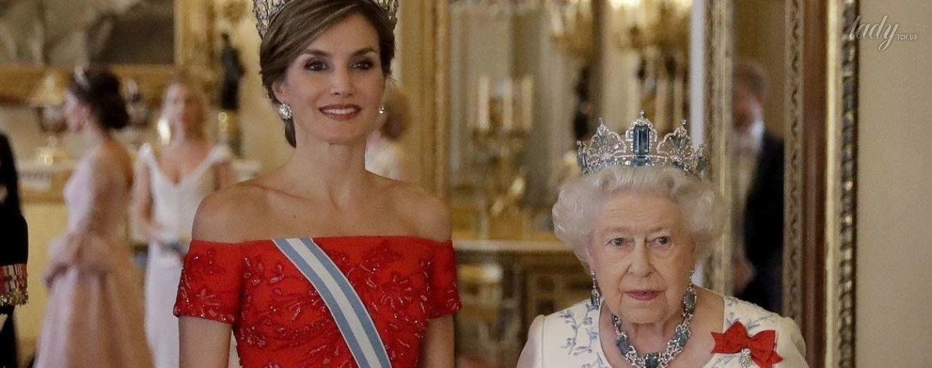 Кто красивее: королева Елизавета II и королева Летиция пришли на прием в роскошных нарядах