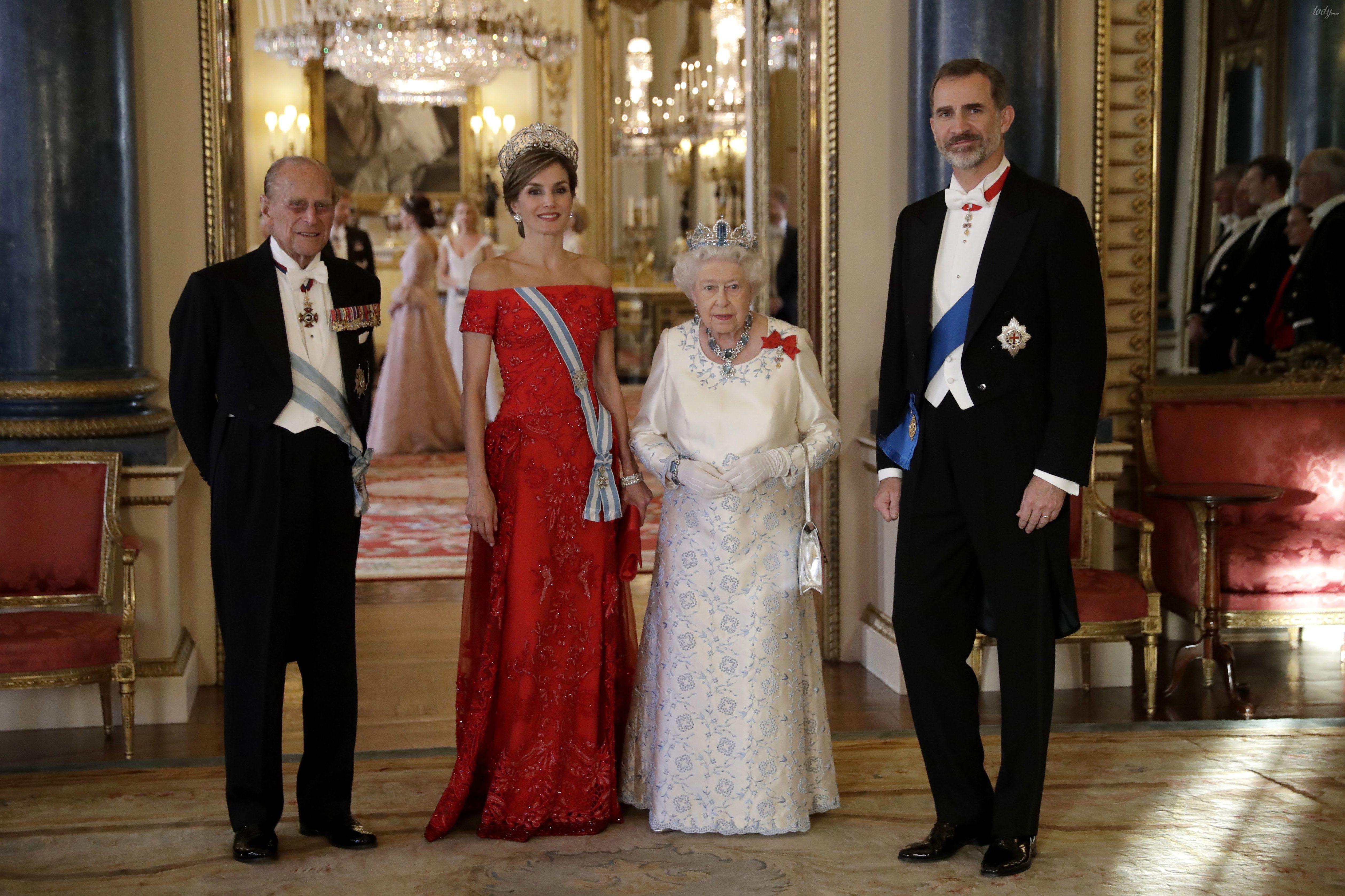 Королева Елизавета II и королева Летиция