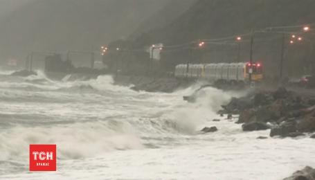 У Новій Зеландії вирує смертоносний шторм