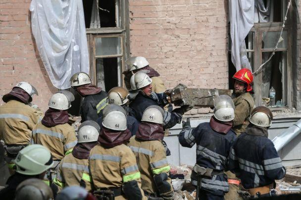 З'явилося фото й відео зруйнованого вибухом будинку в Києві з висоти пташиного польоту