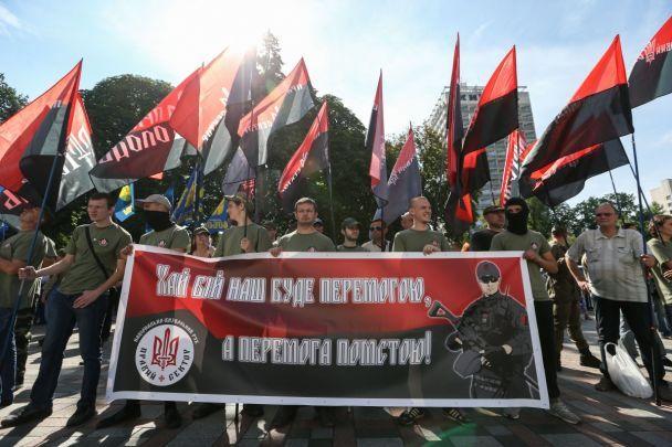 Активісти заявили про блокування усіх виходів із Верховної Ради, в тому числі й підземного