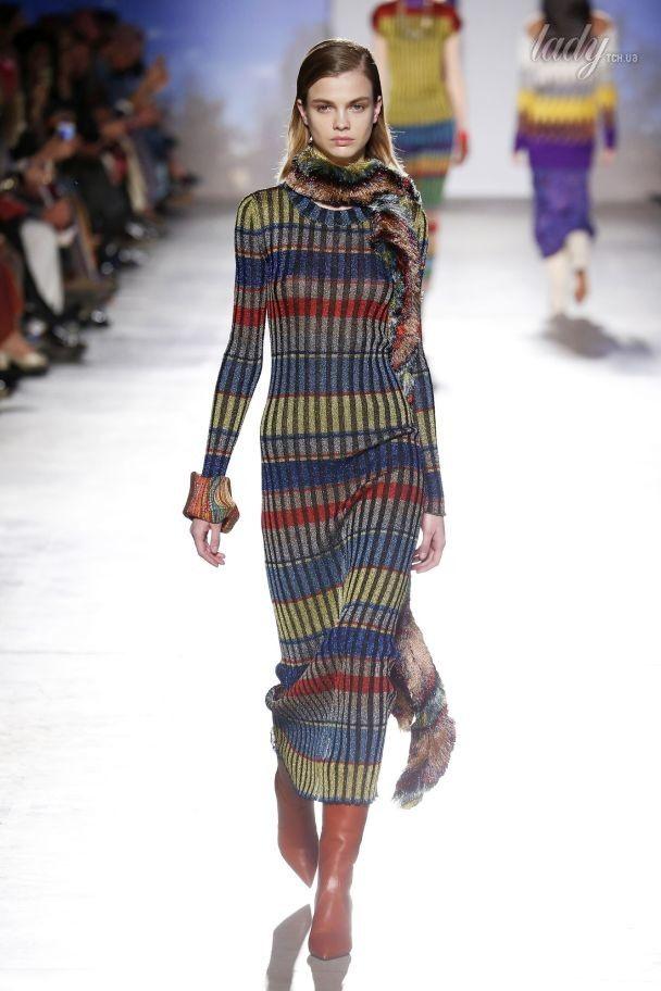 Уютные свитеры и цветные колготки в коллекция Missoni прет-а-порте сезона осень-зима 2017-2018