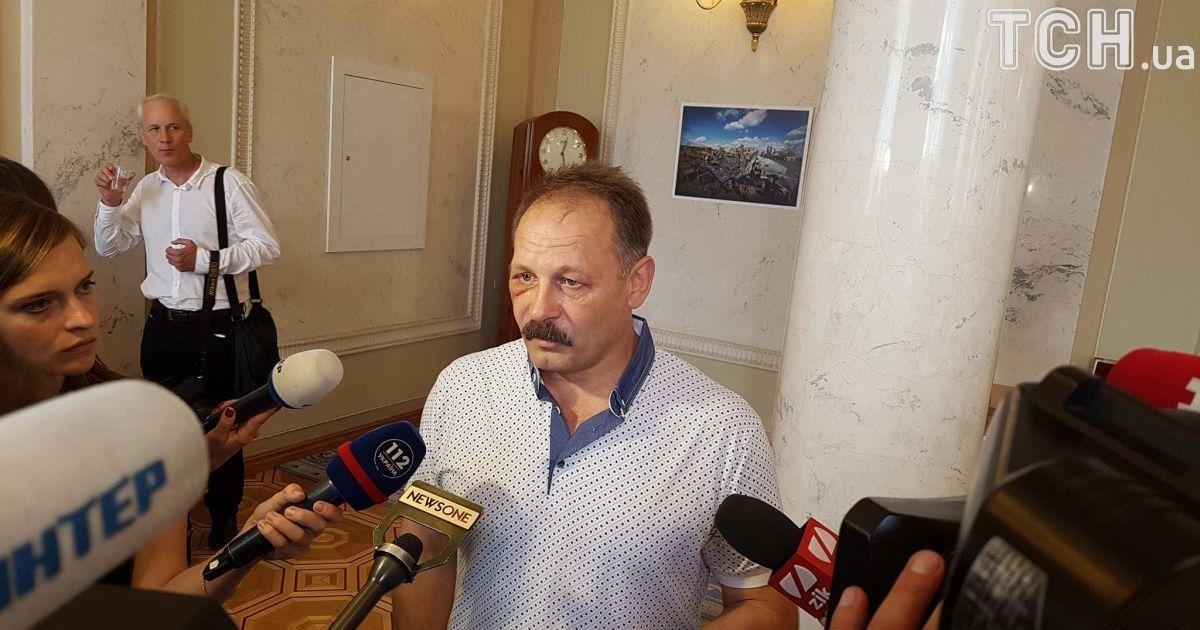 Олег Барна в кулуарах парламента @ Фото Ивана Гребенюка/ТСН