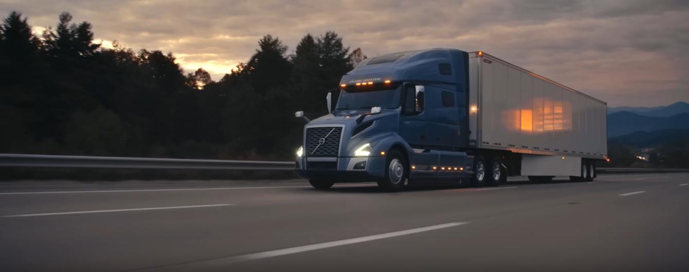 Новые магистральные грузовики Volvo стали более автономными