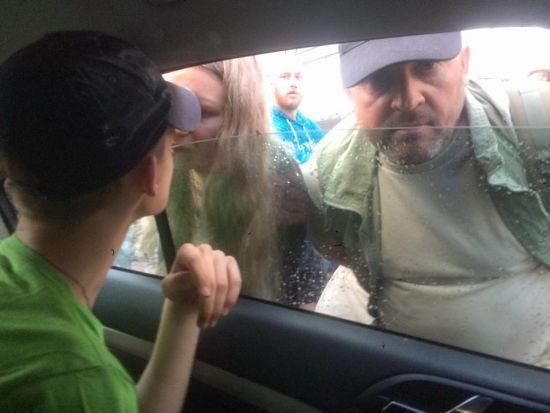 Серед нападників на секс-лекторій у Києві упізнали хлопця Віти Завірухи, якого судили за розстріл ДАІвців
