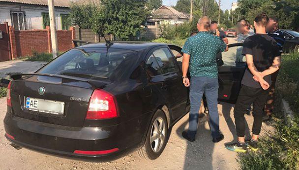 На Дніпропетровщині спіймали підполковника із хабарем та пігулками для виробництва наркотиків