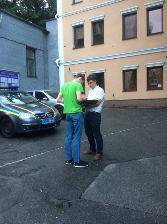 Олесь Черняк з адвокатом