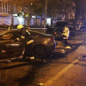 В Сети появились видео момента смертельной аварии в Днепре с участием пяти авто