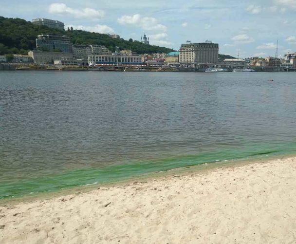 У Києві визнали небезпечними одразу десять пляжів