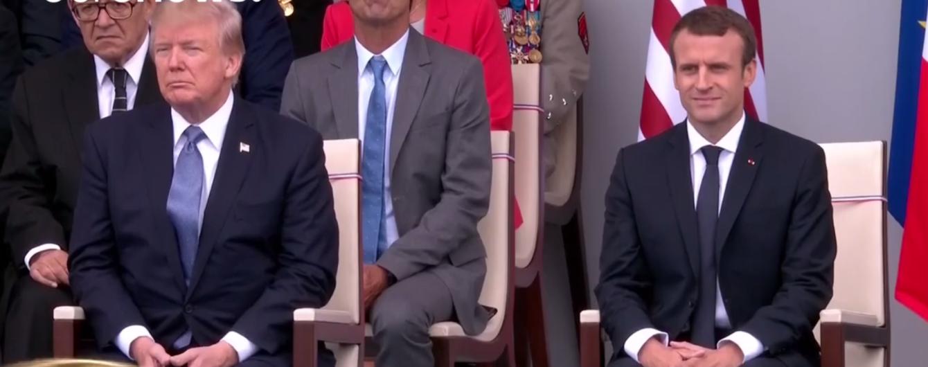 """Один """"кайфует"""", другой скучает: в Сети появилось видео, как Макрон и Трамп слушают каверы на Daft Punk"""