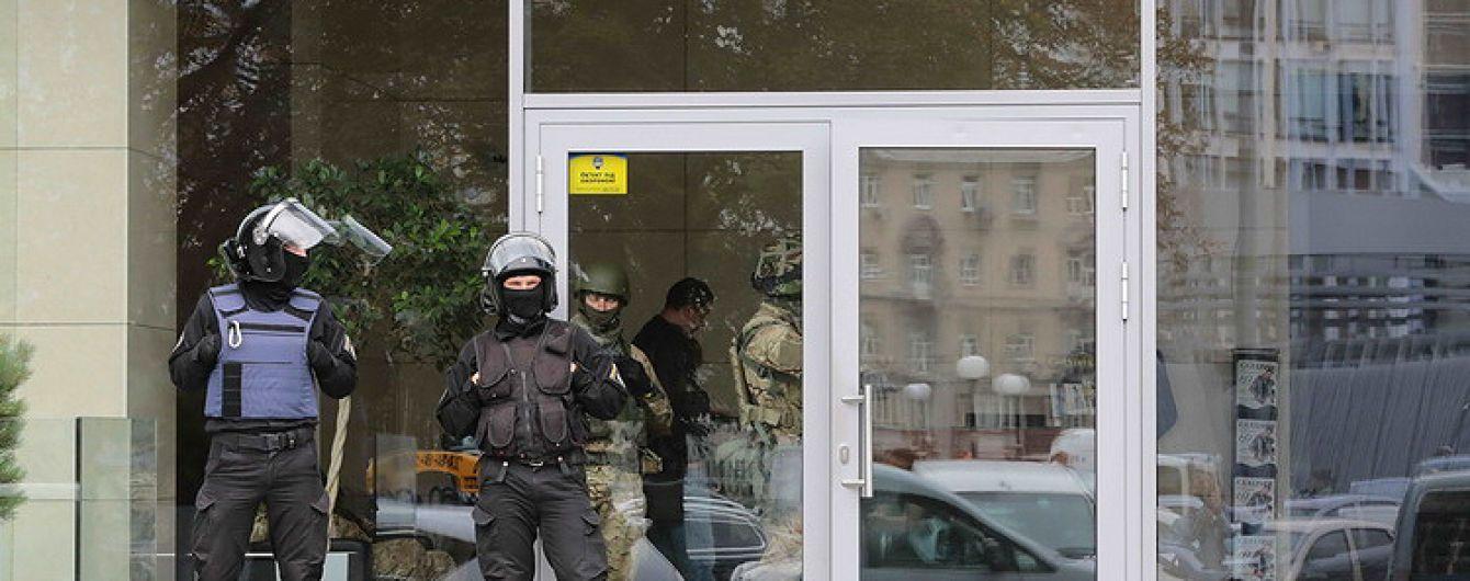 З'явилося відео масштабних обшуків в компанії екс-міністра Клименка