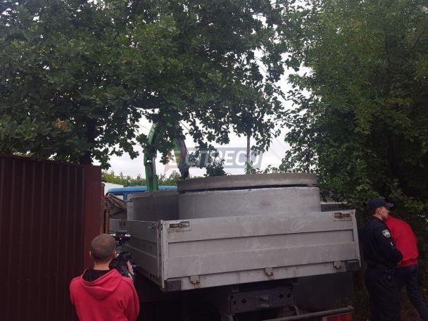 В Киеве строитель получил удар в 10 тысяч вольт напряжения